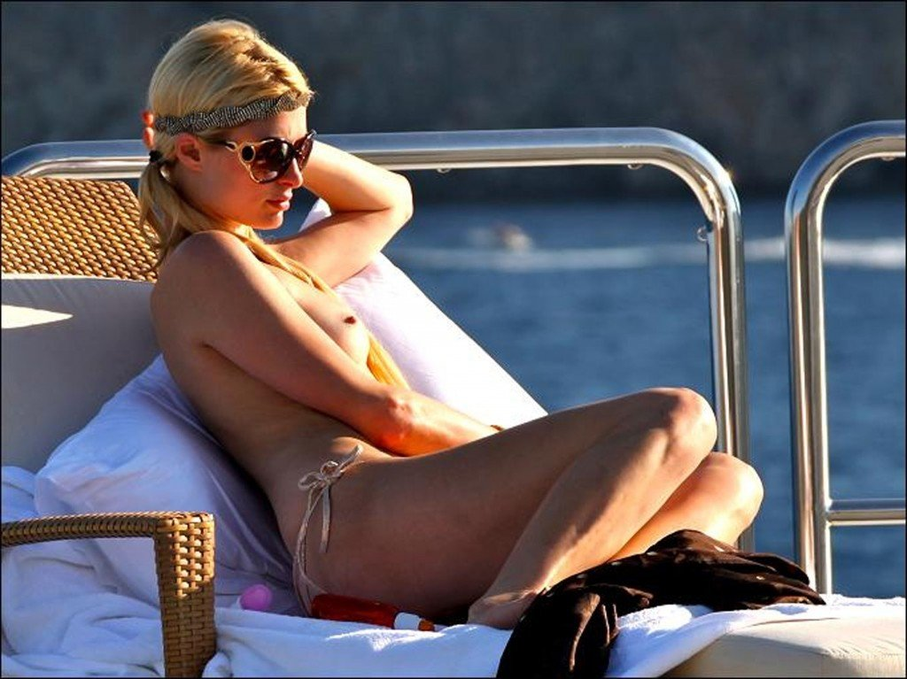 Britney hilton naked paris picture
