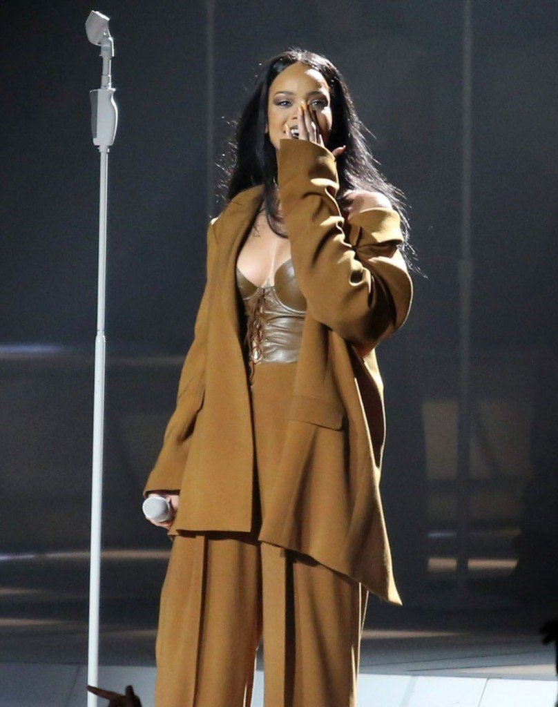 Rihanna See Through Sexy 1
