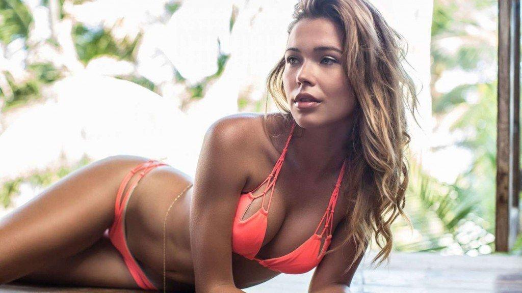 Sandra Kubicka Sexy 1