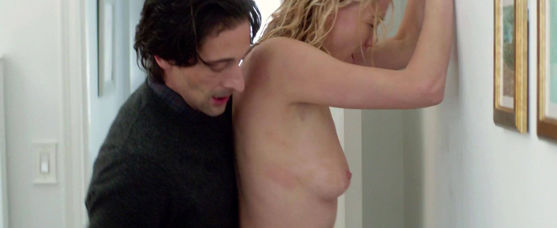 Yvonne Strahovski Nude Naked 32