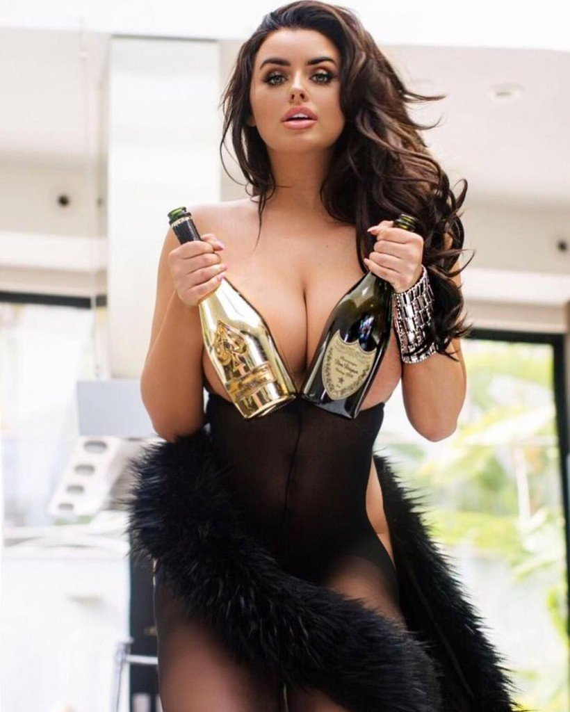 Abigail Ratchford Sexy 40