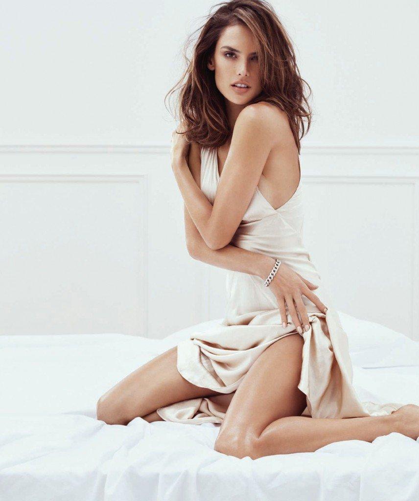 Alessandra Ambrosio Sexy (7 Photos)