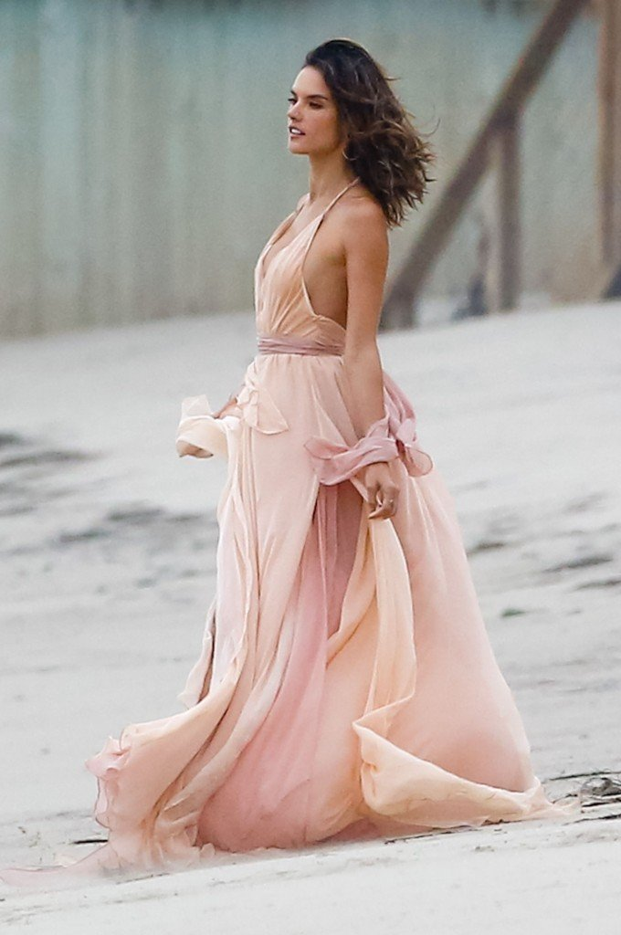 Alessandra Ambrosio Sexy 3