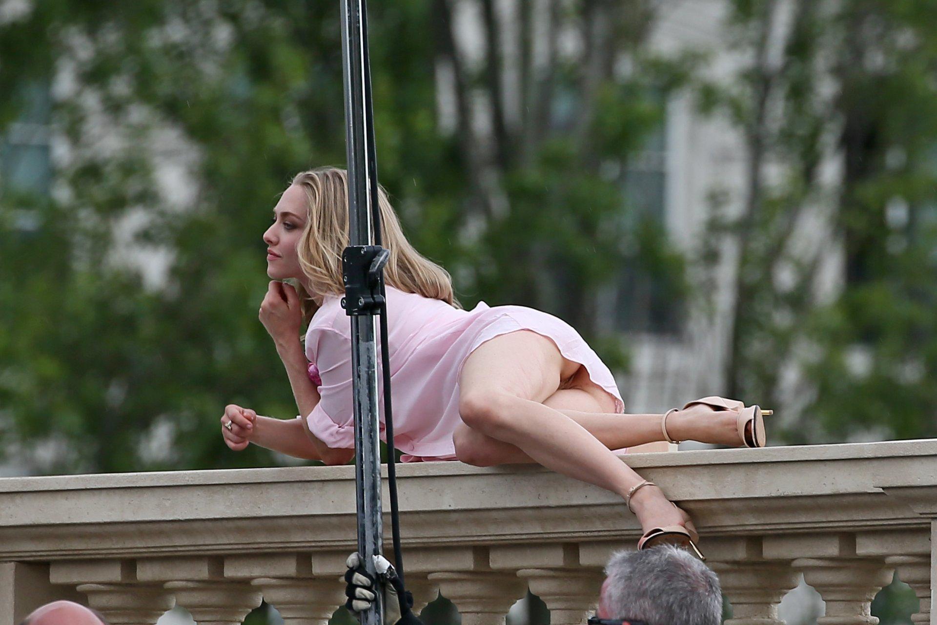 Amanda Seyfried Upskirt (65 Photos) | #TheFappening