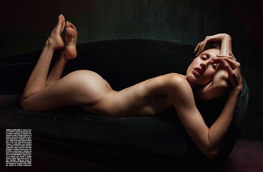 Anna Cleveland Nude