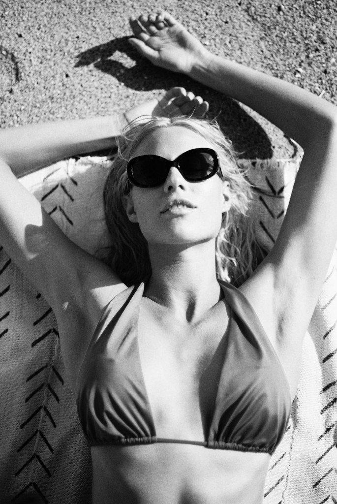 Becca Hiller Sexy & Topless 21