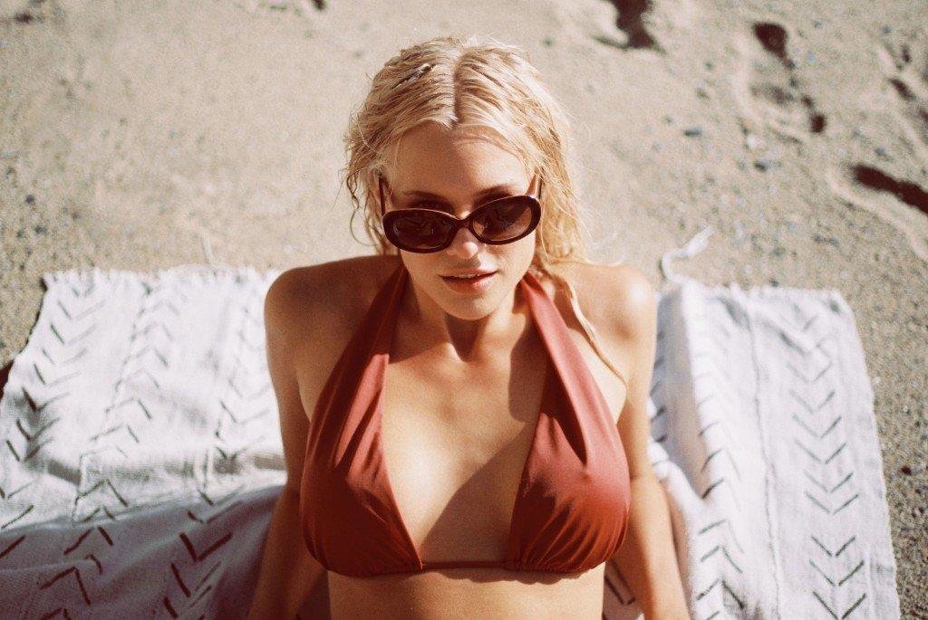 Becca Hiller Sexy & Topless 23
