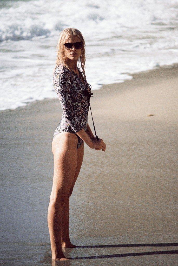 Becca Hiller Sexy & Topless 29