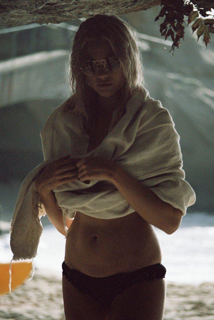 Becca Hiller Sexy & Topless 32