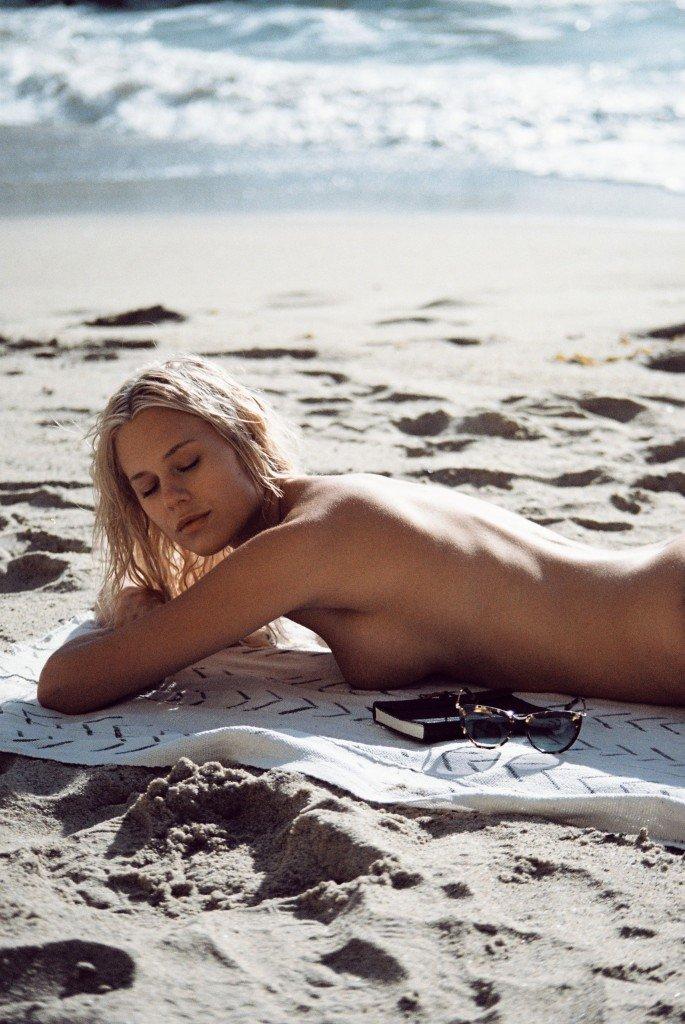 Becca Hiller Sexy & Topless 37
