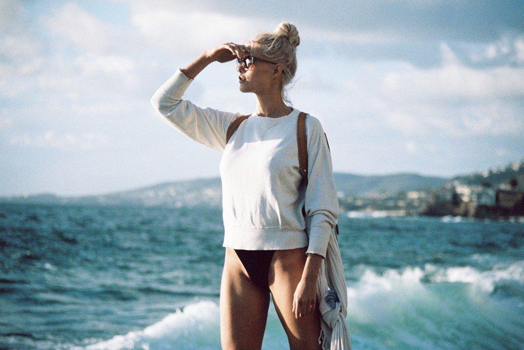 Becca Hiller Sexy & Topless 60