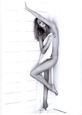 Candice Swanepoel Nude (8 Photos)