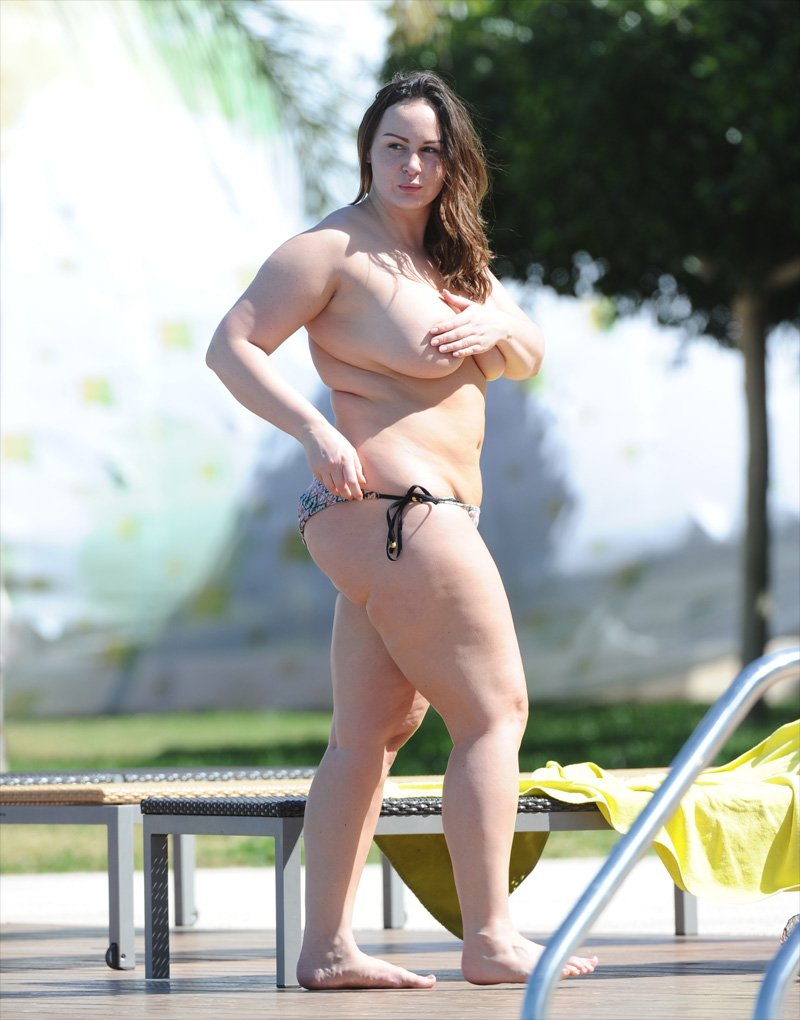 Chanelle Hayes Topless (3 Photos)