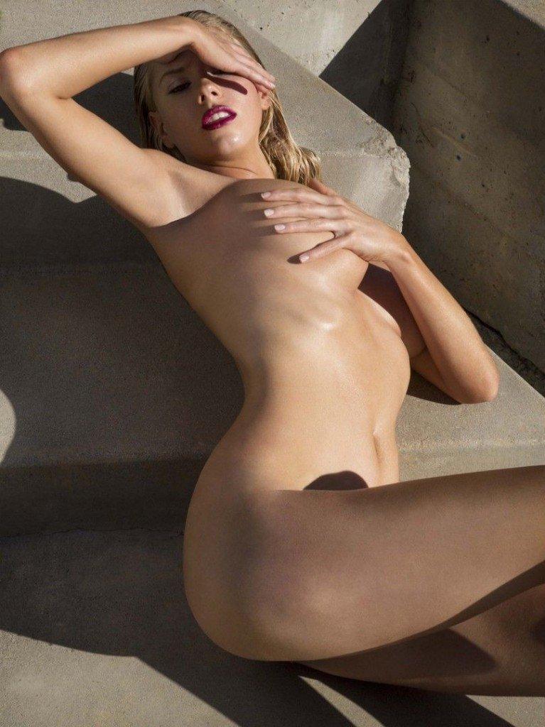 Charlotte McKinney Nude Sexy 10