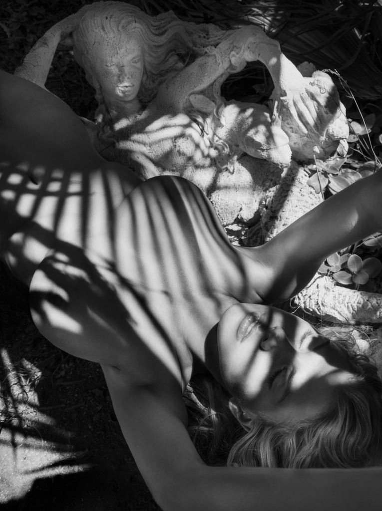 Charlotte McKinney Nude Sexy 11