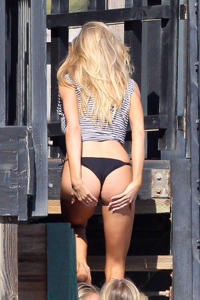 Charlotte McKinney Sexy 154