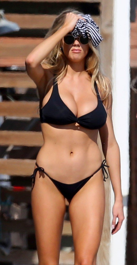 Charlotte McKinney Sexy 20