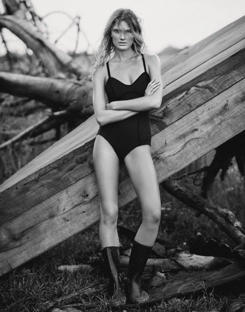 Constance Jablonski Sexy & Topless (7 Photos)