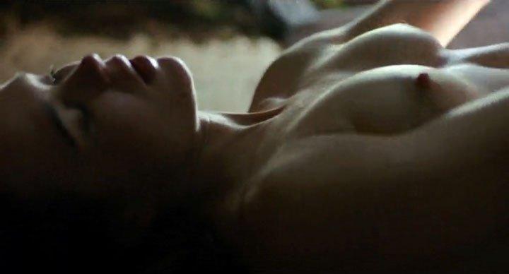 Ellen Philpotts-Page Topless (3 Photos)
