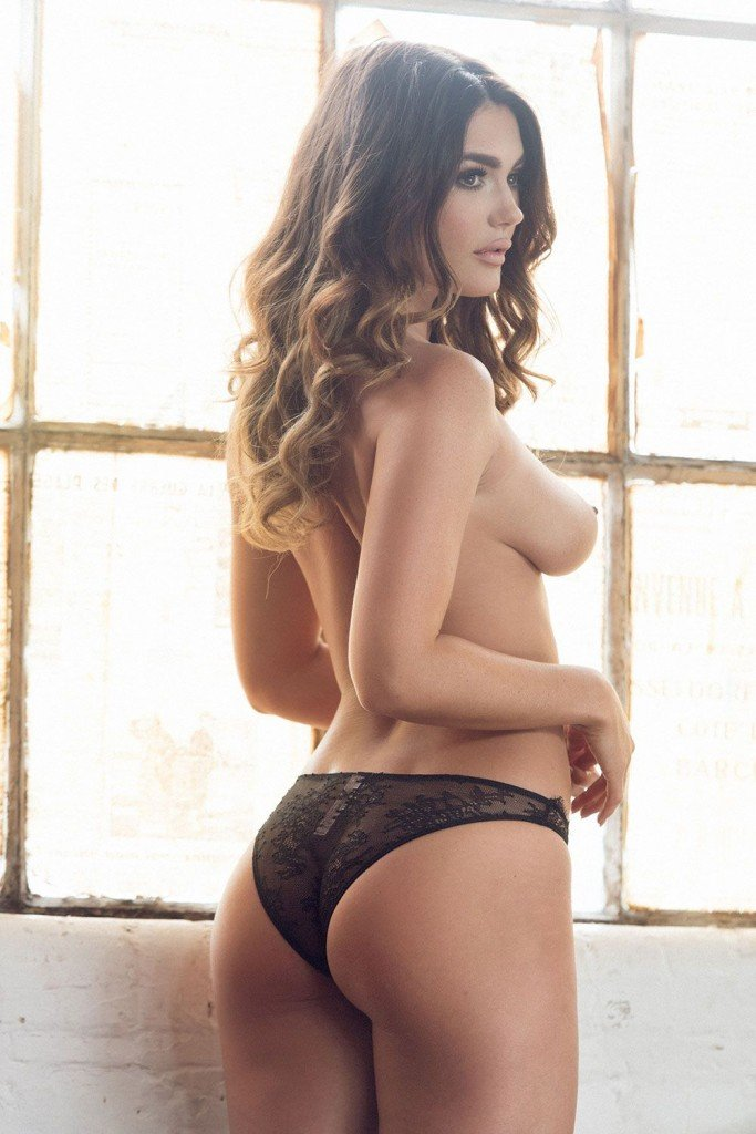 India Reynolds Sexy and Topless (Page 3 – 4 Photos)