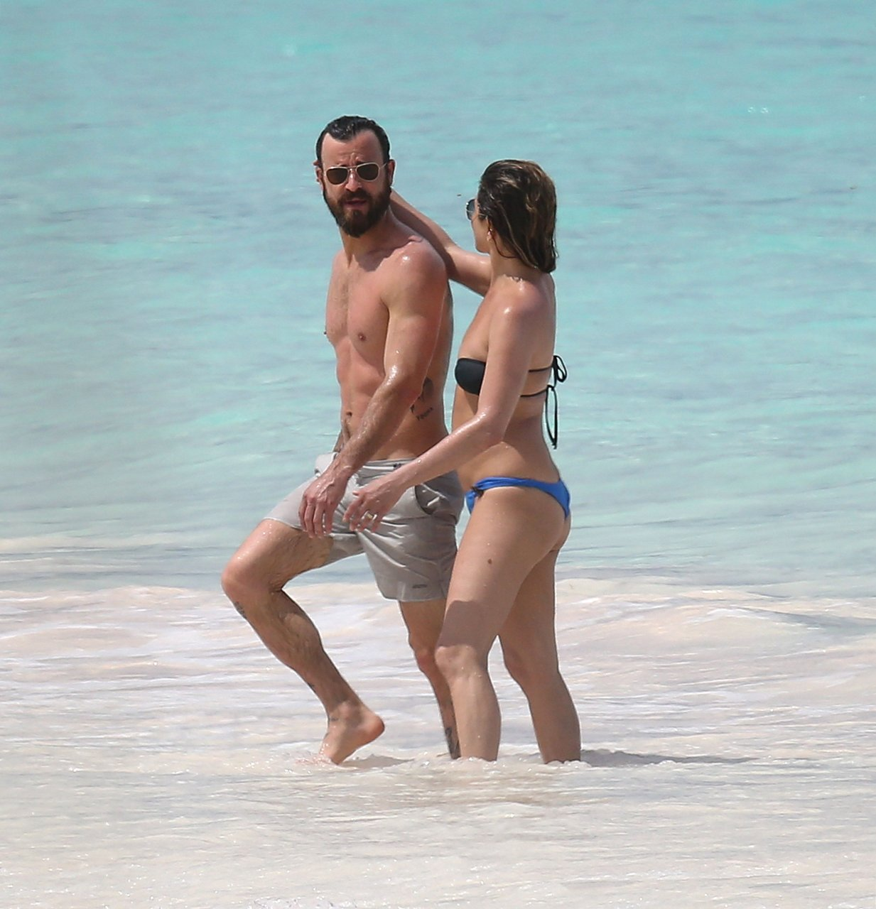Jennifer aniston and bikini