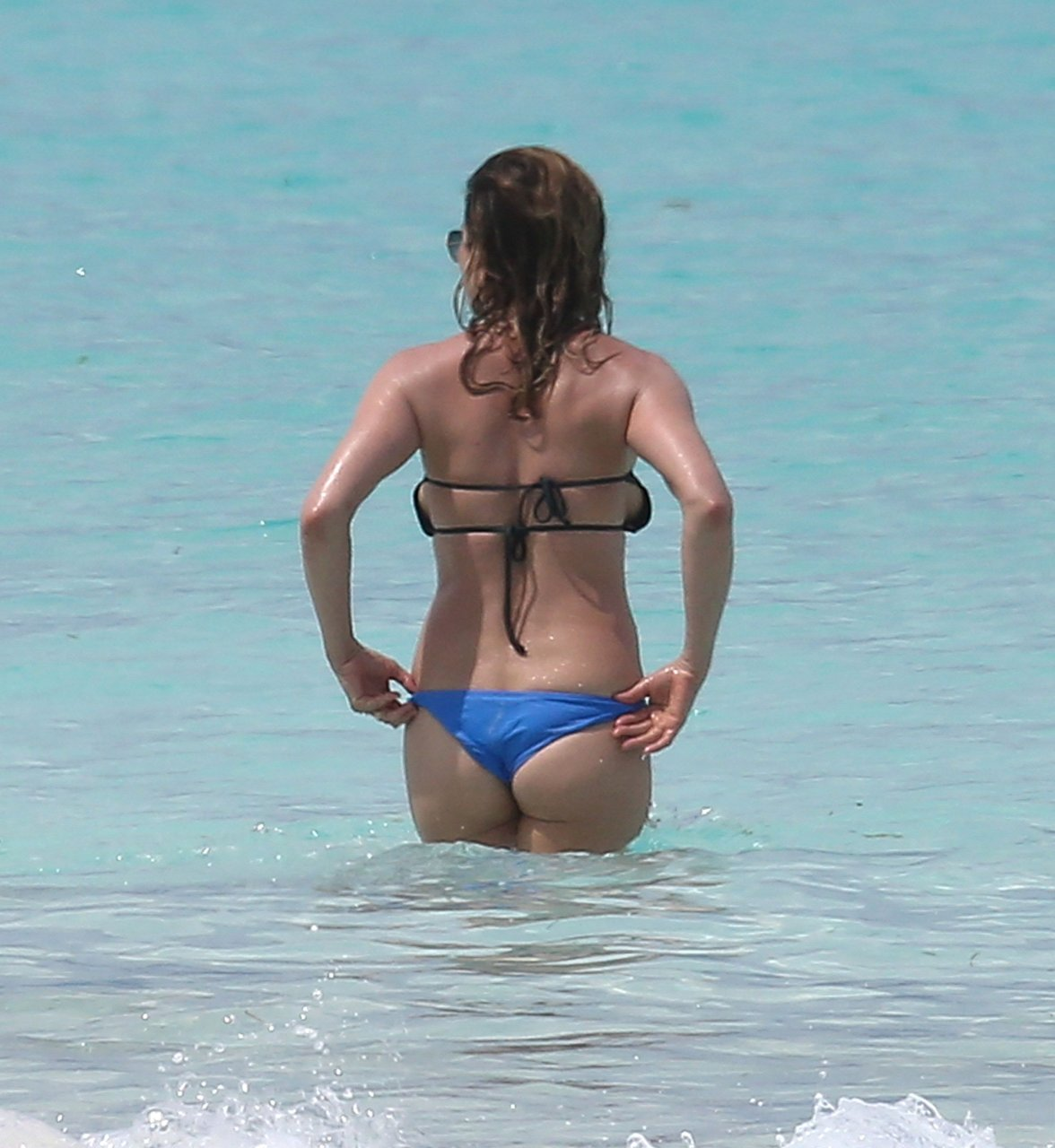 Jennifer Aniston Ass 69