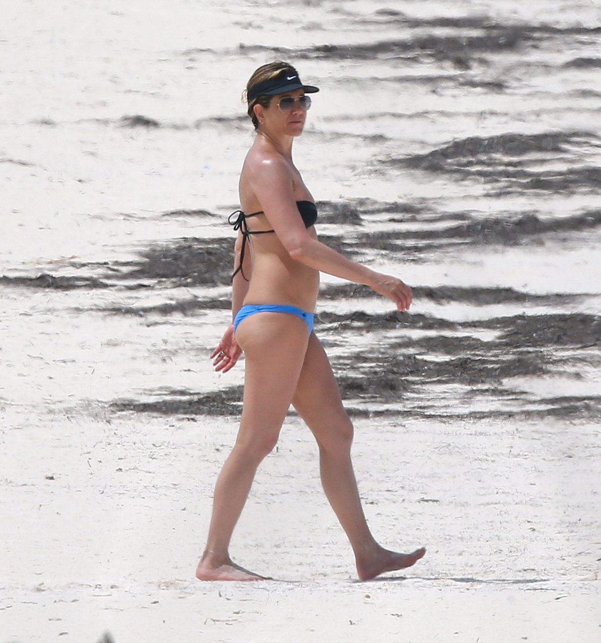 Jennifer aniston hot bikini
