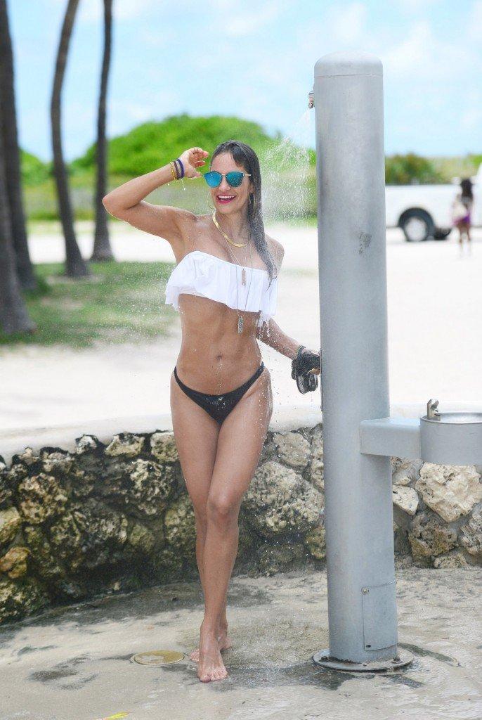 Jennifer Nicole Lee Sexy (32 Photos)