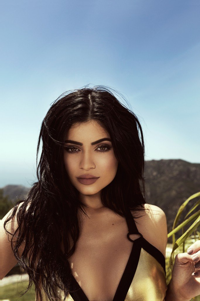 Kendall Jenner & Kylie Jenner Sexy (22 Photos)
