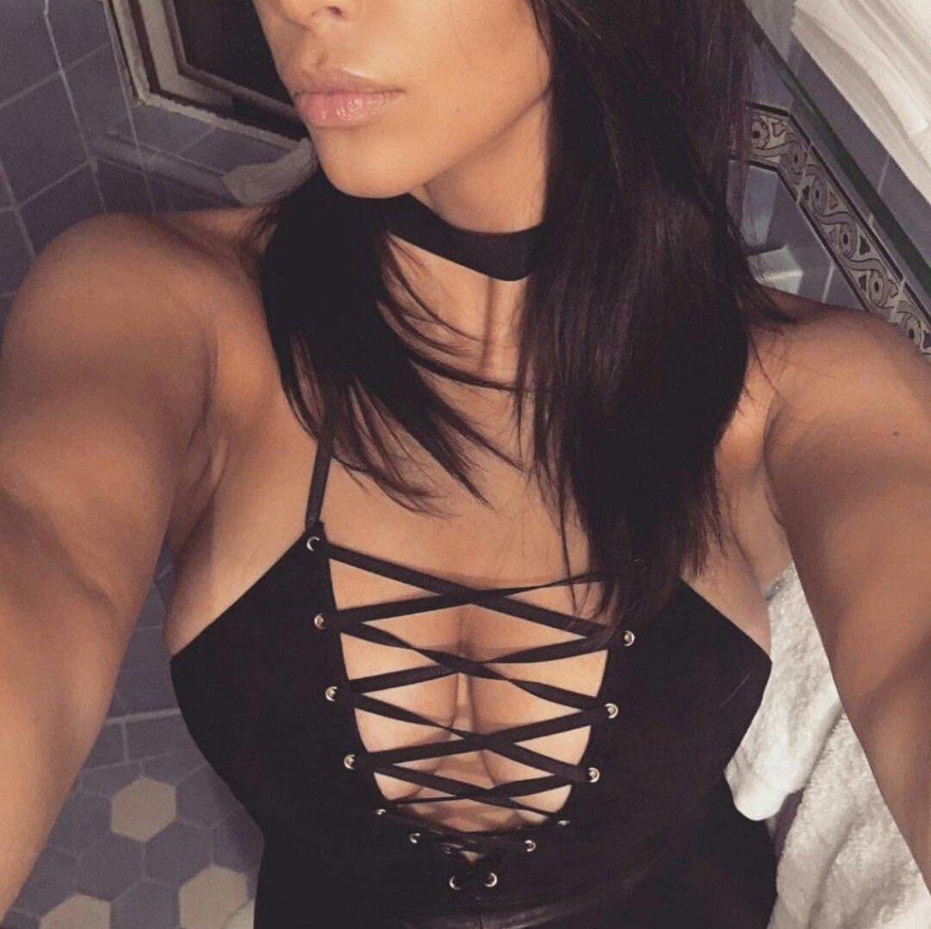 Kim Kardashian Cleavage (8 Photos)