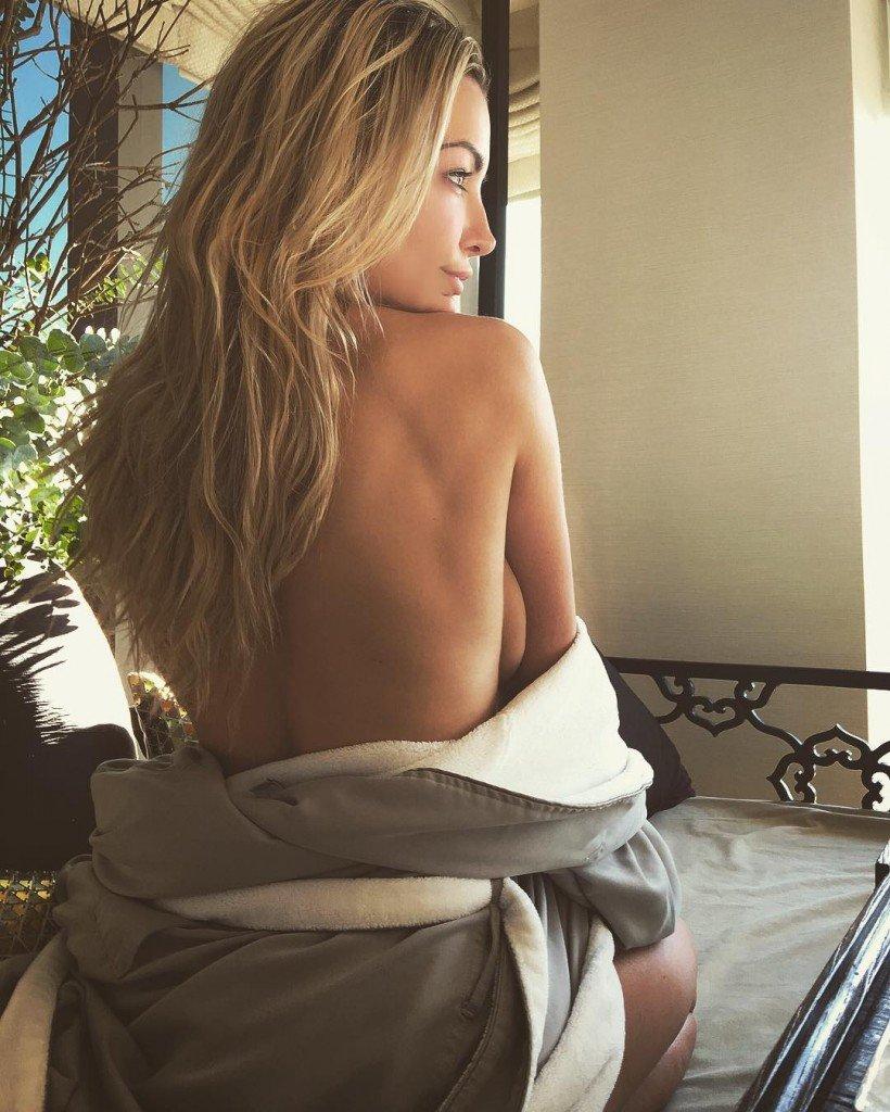 Lindsey Pelas Topless (1 Instagram Photo)