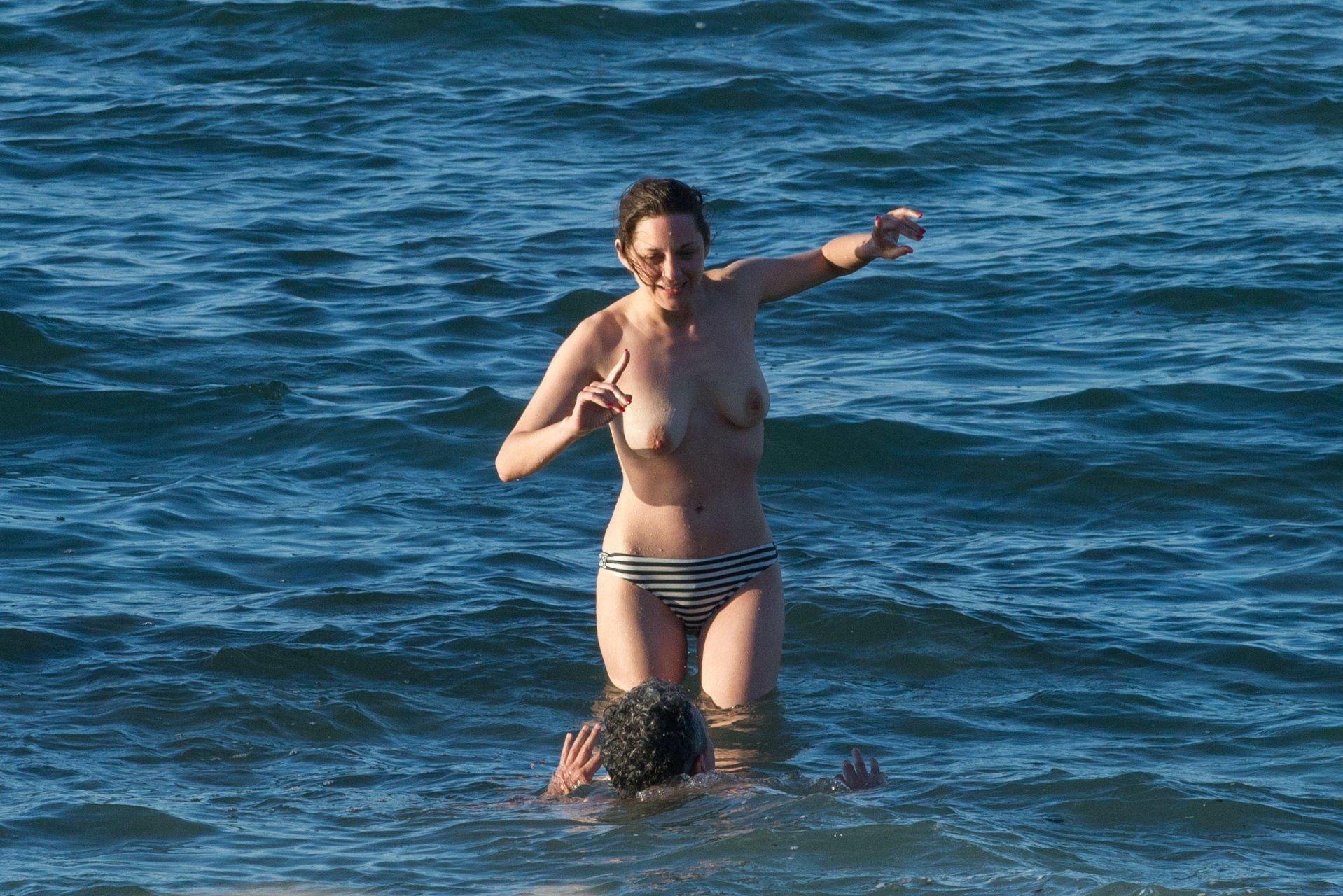 marion cotillard topless