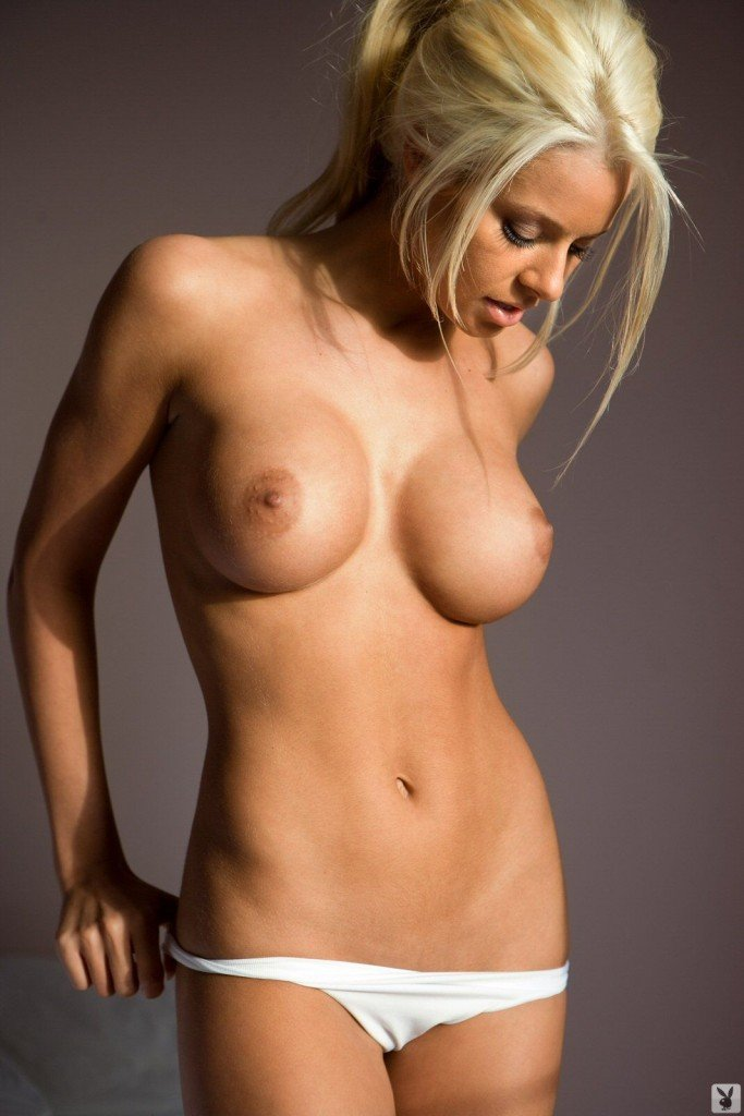 Maryse Ouellet Nude Video 8