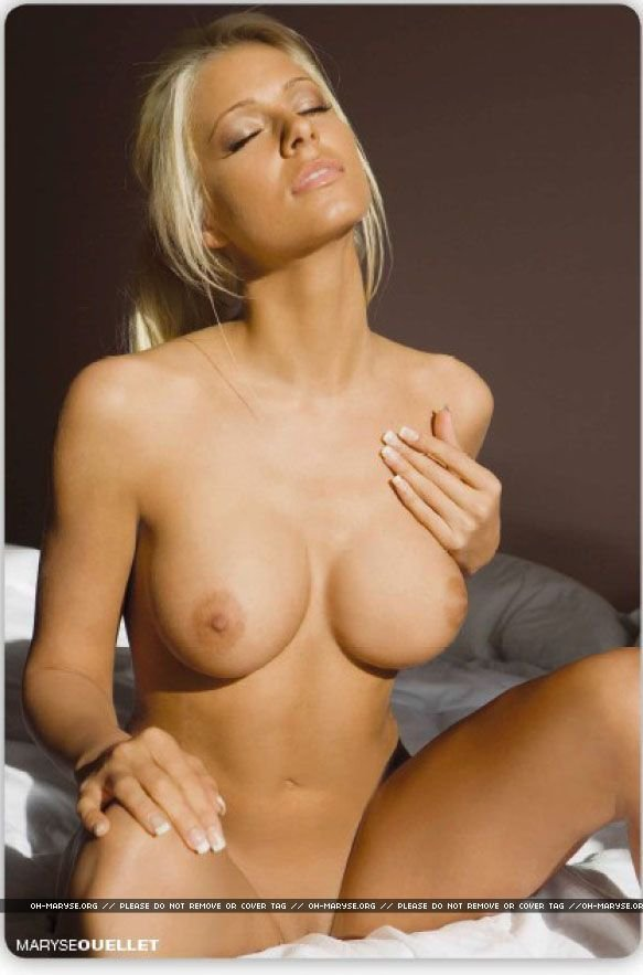 Maryse xxx masturbating her fully naked body