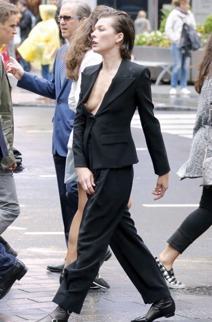Milla Jovovich Nip Slip (5 Photos)