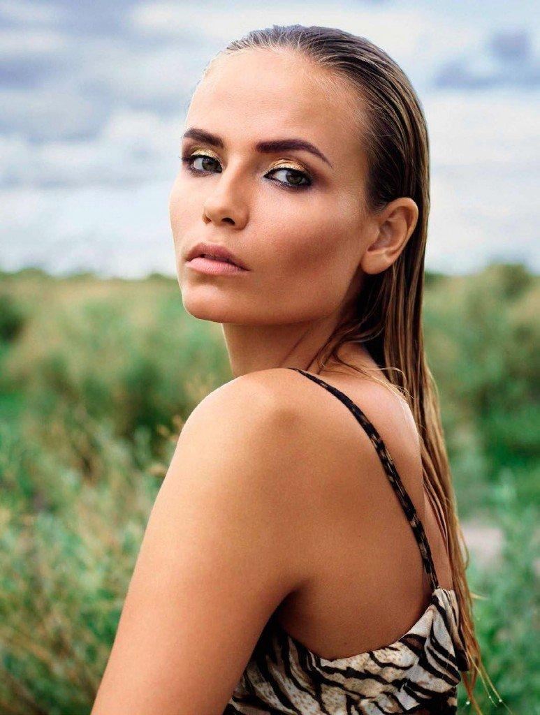 Natasha Poly Nude & Sexy (15 Photos)
