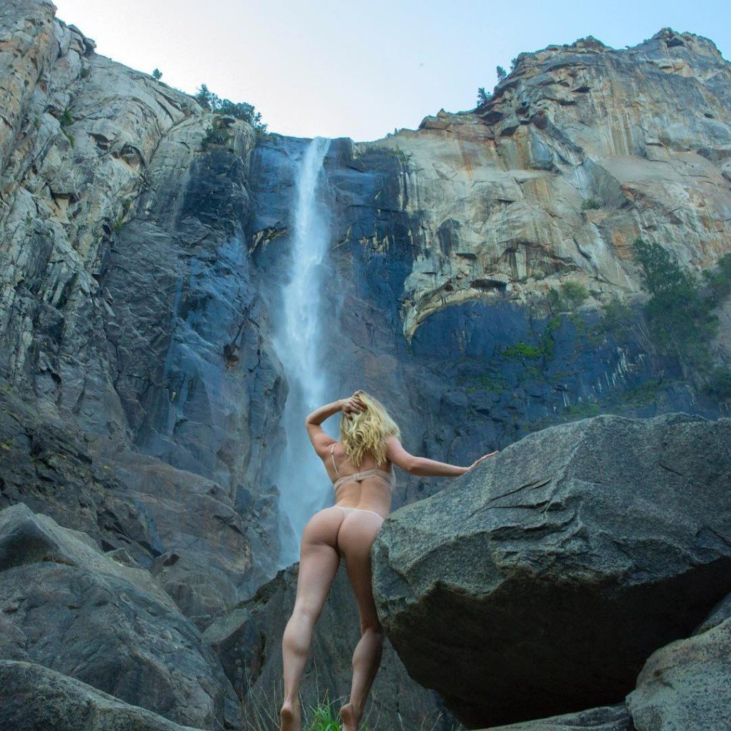 Sara J Underwood Tits and Ass 2