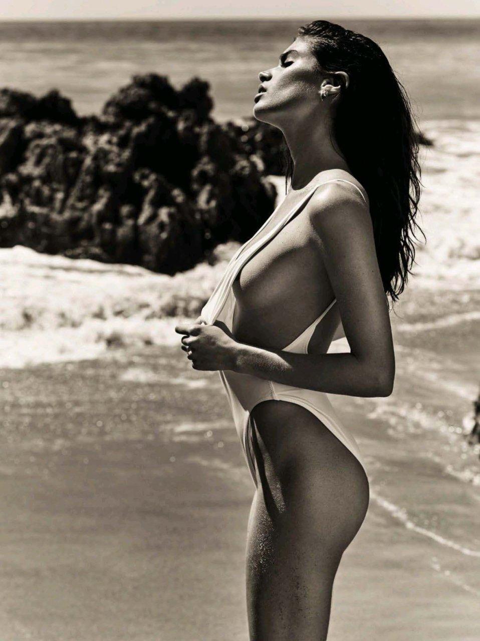 naked muscle girl named sara