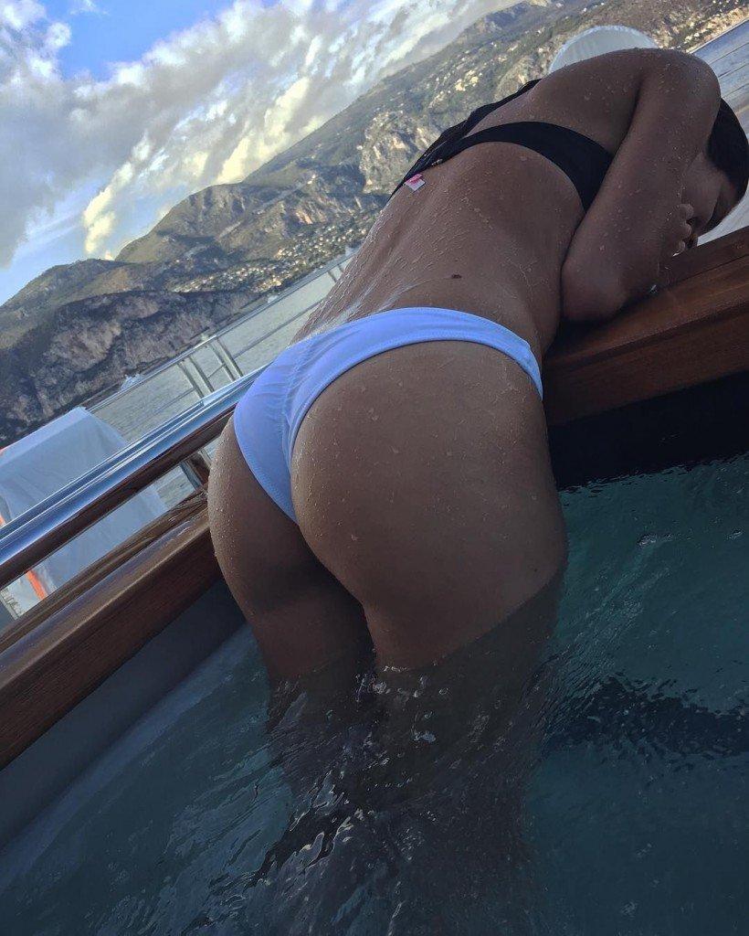 Sara Sampaio Sexy (3 Photos)