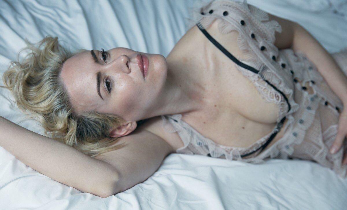 Sarah paulson nude