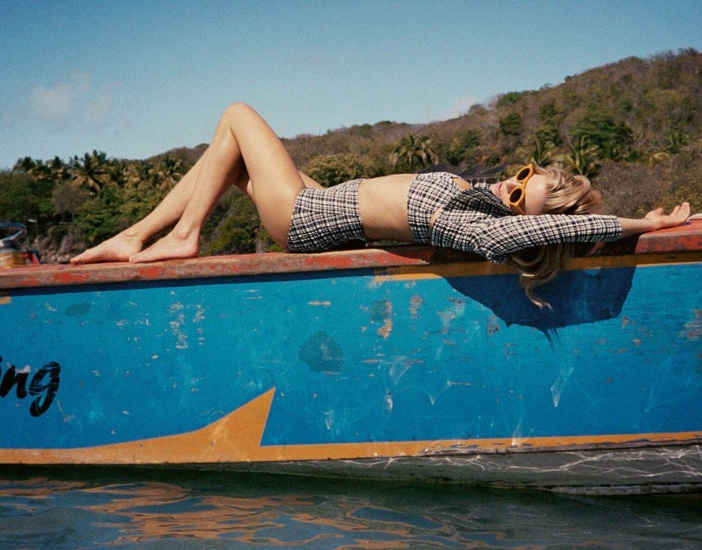 Sienna Miller Sexy & Topless 4