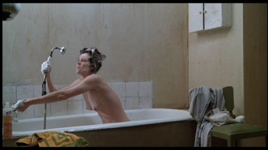 Sigourney Weaver Nude – Half Moon Street (1986)