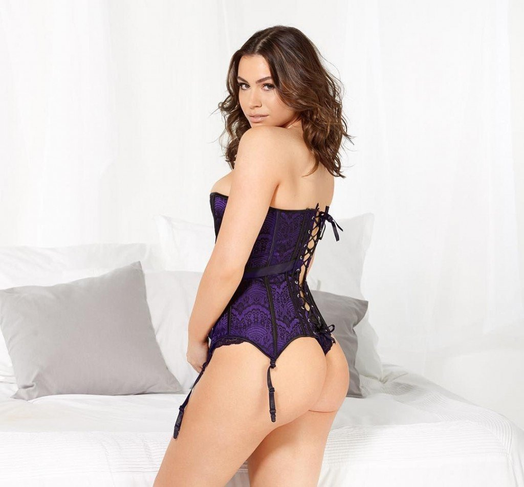 Sophie Simmons Ass (2 Photos)