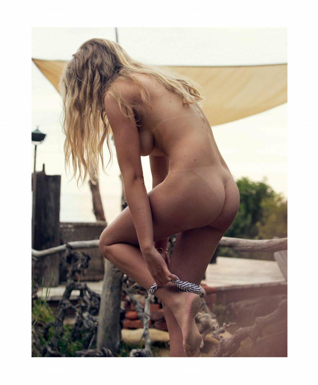 Valerie Nude 54