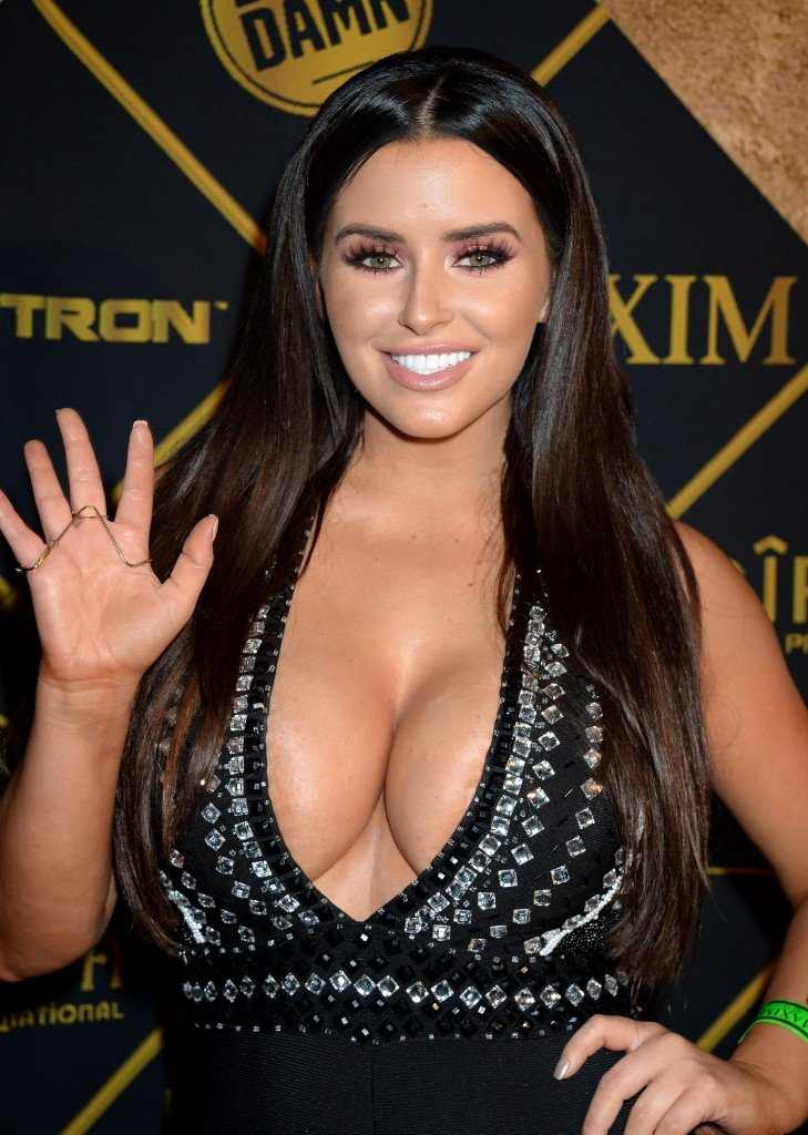 Abigail Ratchford Cleavage 14