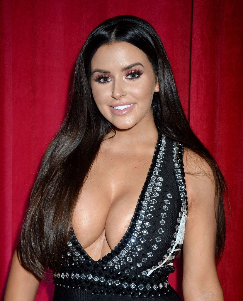 Abigail Ratchford Cleavage 7