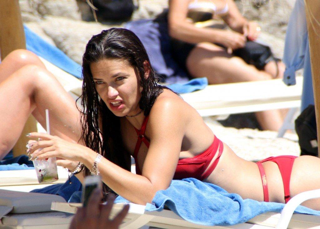 Adriana Lima Sexy (29 Photos)