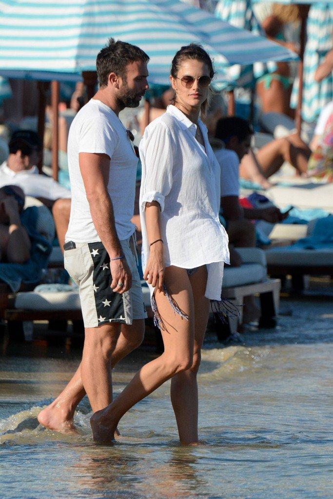 Alessandra Ambrosio & Ana Beatriz Barros Sexy 40