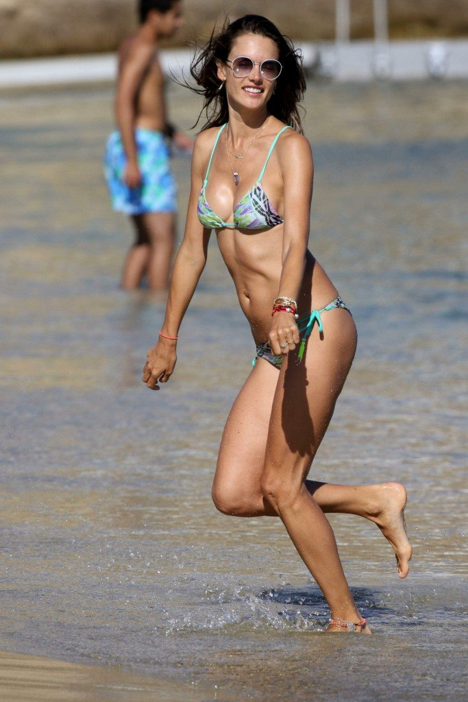 Alessandra Ambrosio Sexy 1