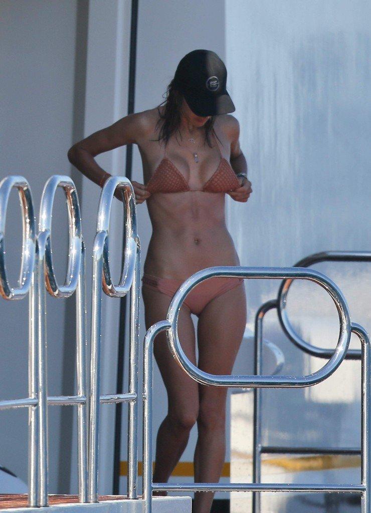 Alessandra Ambrosio Sexy 12
